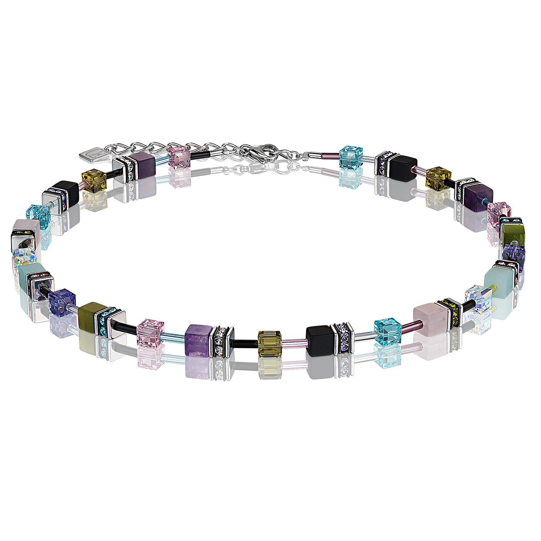 60f6bb2dae Le classique GeoCUBE® orné des riches couleurs de la pierre véritable:  fabriqué à la main en amazonite, quartz rose, améthyste et onyx mat.